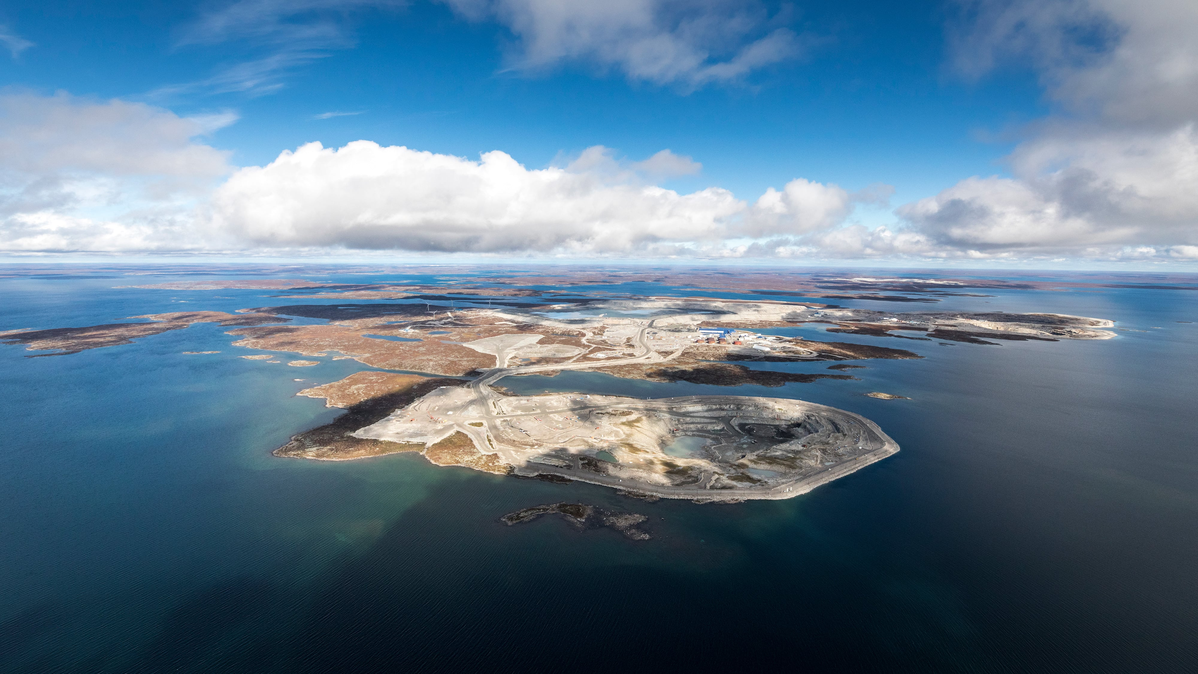 Diavik from the air